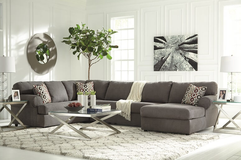 Soft Clean Lines of the Contemporary Sectional Sofa Set with Chaise